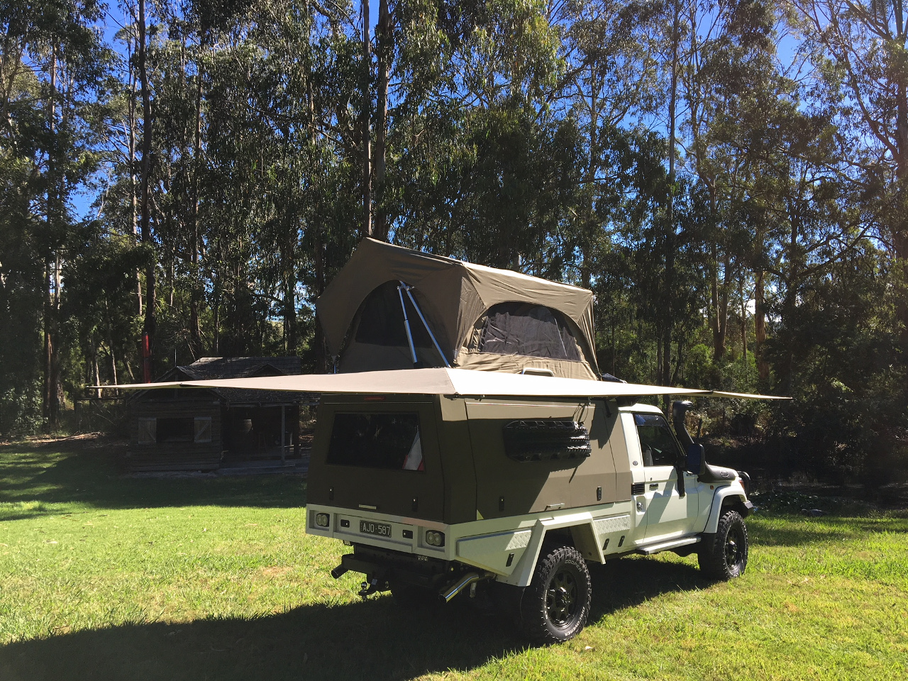 Camping Umbrella CleverShade 4WD Awning