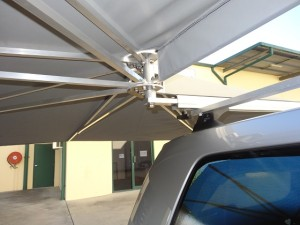Vehicle awning 4WD CleverShade car shade mechanism