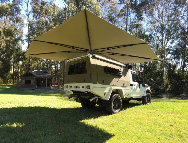 & CleverShade 4WD Vehicle Awning - The Shade That Moves With You