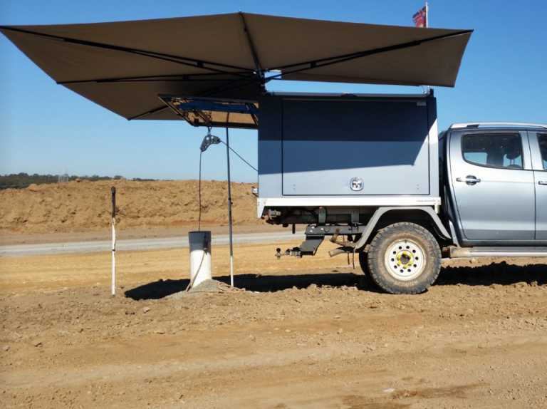 Clevershade 4wd Vehicle Awning The Shade That Moves With You